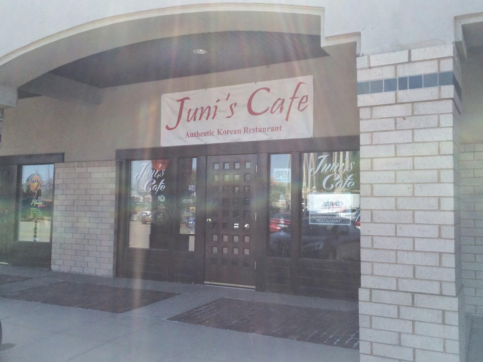Juni's Cafe