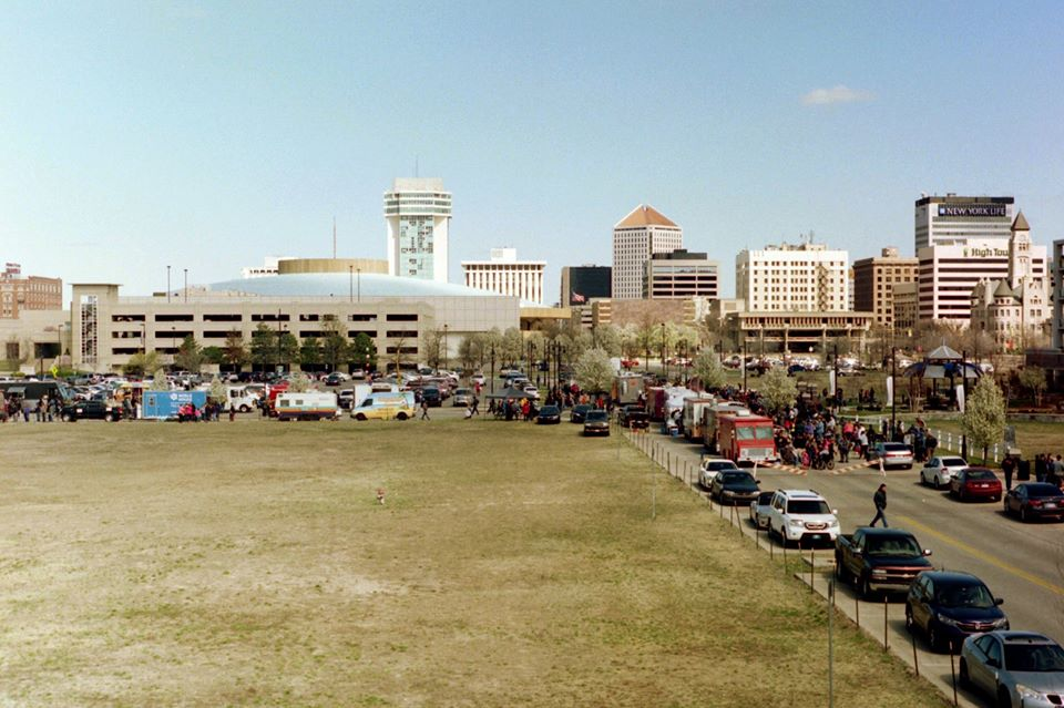 Food Trucks at the Fountains