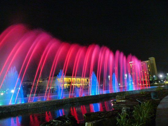 Night at the Fountains